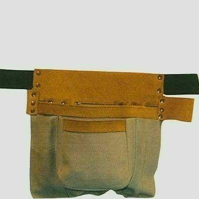 Hevederes, háromrészes szerszámos táska marhabőrből